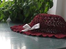 Sombrero rojo del ganchillo Fotos de archivo