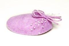 Sombrero rosado de la pequeña mujer Fotos de archivo