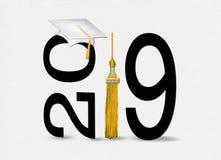 Sombrero y borla blancos de la graduación para 2019 fotos de archivo