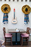 Sombrero y poncho Fotos de archivo