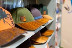 Sombreros brimmed madera hawaiana del koa imágenes de archivo libres de regalías