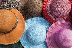 Sombreros coloridos brillantes foto de archivo