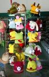 Sombreros crocheted divertidos foto de archivo