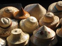 Sombreros de diversas formas imagen de archivo