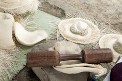 Sombreros de Panamá - herramientas - cómo hacer Imagen de archivo