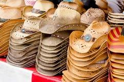 sombreros de vaquero de la paja Imagen de archivo libre de regalías