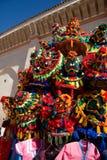 Sombreros del vendedor del agua en Marruecos Imagenes de archivo