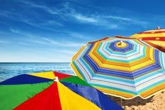 Sombrillas coloridas foto de archivo libre de regalías