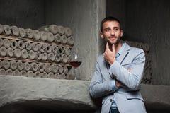 Somel'e está presente en el desbordamiento del vino Fotos de archivo