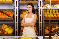 Somente os frutos os mais frescos em nossa loja Imagens de Stock