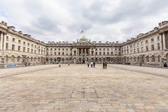 Somerset House constructivo neoclásico en el jardín de Covent del distrito, Londres, Reino Unido fotografía de archivo