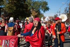 Somerville, Μασαχουσέτη, ΗΠΑ - 11 Οκτωβρίου 2015 - φεστιβάλ ΚΟΡΝΑΡΊΣΜΑΤΟΣ των ζωνών οδών ενεργών στελεχών Στοκ εικόνες με δικαίωμα ελεύθερης χρήσης