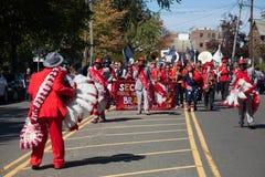 Somerville, Μασαχουσέτη, ΗΠΑ - 11 Οκτωβρίου 2015 - φεστιβάλ ΚΟΡΝΑΡΊΣΜΑΤΟΣ των ζωνών οδών ενεργών στελεχών Στοκ φωτογραφία με δικαίωμα ελεύθερης χρήσης