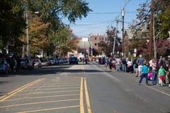 Somerville, Massachusetts, USA - 11. Oktober 2015 - HUPEN Sie Festival von Aktivistenstraßenbändern Stockbilder