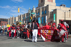 Somerville, Massachusetts, USA - 11. Oktober 2015 - HUPEN Sie Festival von Aktivistenstraßenbändern Lizenzfreies Stockbild
