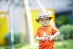 Sommar behandla som ett barn pojken fotografering för bildbyråer