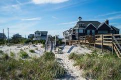 """Sommar för †för strandhus """"i Hamptonsen royaltyfri fotografi"""