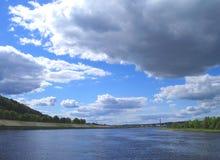 sommar för 2 sky Arkivbilder