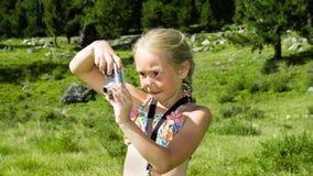 sommar för fotograf för kameraflicka liten royaltyfri bild