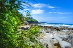Sommar för stenig strand Fotografering för Bildbyråer