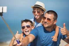 Sommar familj, semesterbegrepp royaltyfria foton