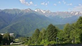 Sommar i de Kaukasus bergen, Krasnaya Polyana Arkivbild