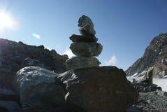 Sommar i de schweiziska fjällängarna - Monte Rosa, svängbara hjulet, Polux, Matterhorn - alpina glaciärer royaltyfri bild