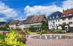 Sommar i Wissembourg - avkopplingområde Arkivbild