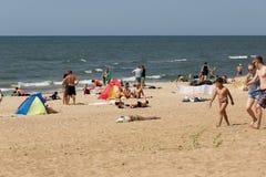 Sommar på en strand i en Palanga Fotografering för Bildbyråer