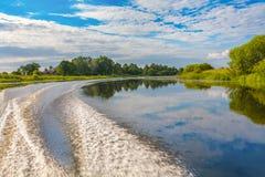 Sommar på floden Arkivfoton
