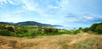 sommar ukraine för kustlinjecrimea panorama Royaltyfri Fotografi
