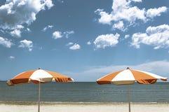 Sommar under paraplyet Arkivbild