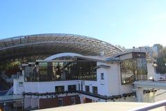 Sommaramfiteatern sommaramfiteatern för rekonstruktionen, 2007 i gamlan den 10 000 rubel sedeln sommaren är arkivfoto