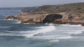 SommarAtlantic Ocean kust, Algarve, Portugal stock video