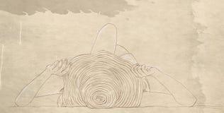 sommarbaner av den liggande kvinnan med att solbada för hatt arkivfoton