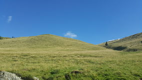 Sommardag i bergen Arkivfoton