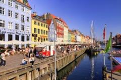 Sommardag i Nyhavn, Köpenhamn, Danmark - Augusti 2016 Arkivbild