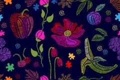 Sommaren färgar Blom- sömlös vektormodell med broderade frukter, wildflowe Royaltyfria Foton