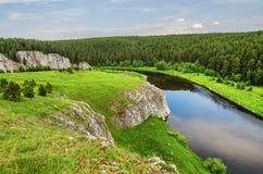 SOMMAREN landskap Ryssland ural Arkivbild