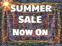 Sommarförsäljningstecken med solen Royaltyfri Bild