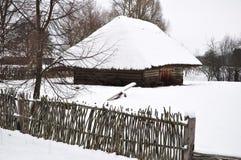 Sommarhus i vinter royaltyfria foton