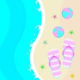 Sommarillustration med en strand, sandaler och bollen Vektor Illustrationer
