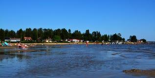 Sommarkänslor på en svensk strand royaltyfri bild