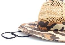 Sommarkamouflagehatt för att jaga och att fiska Arkivbilder