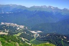 Sommarlandskap av Caucasian berg Arkivfoto