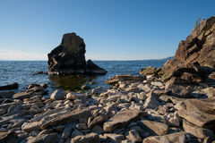 Sommarlandskap, Lake Baikal royaltyfri fotografi