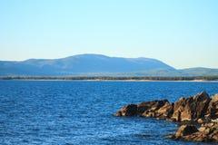 Sommarlandskap, Lake Baikal fotografering för bildbyråer