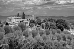 Sommarlandskap nära Montepulciano Arkivbild