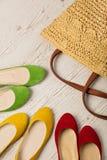 Sommarmodeuppsättning Påse för kvinna` s och skoballerina arkivfoto