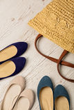 Sommarmodeuppsättning Påse för kvinna` s och skoballerina arkivbild
